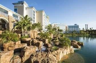 Loews Sapphire Falls Resort at Universal Orlando™