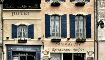Travel hacks to help you score cheap hotels